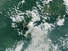 Vulkanausbruch des Mount Raung in Indonesien / ©  NASA
